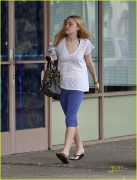 Dakota Fanning / Michael Sheen - Imagenes/Videos de Paparazzi / Estudio/ Eventos etc. - Página 2 Bf95ae108696219
