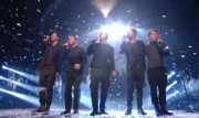Take That au X Factor 12-12-2010 0d2758111016909