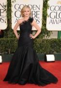 Джулия Стайлс, фото 632. Julia Stiles arrives for the Golden Globe Awards, january 16, foto 632