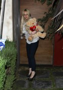 Lindsay Lohan - Leaving Samantha Ronson's Home in LA 03/28/11