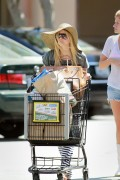 Аврил Лавин, фото 13777. Avril Lavigne - shopping in Malibu 28/08/'11, foto 13777