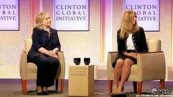 Chelsea Clinton (legs)--Hillary Clinton (lovely)--23.09.2011--abc